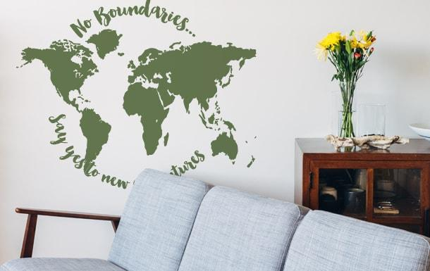 Muursticker wereldkaart No boundaries Say Yes To New Adventures-min