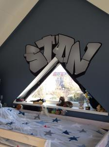 Review muursticker graffiti-Stan